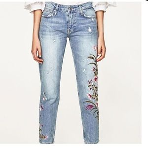 3/$35 Zara Distressed Embroidered Skinny Jeans